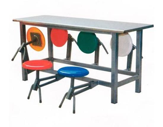 折叠式餐桌